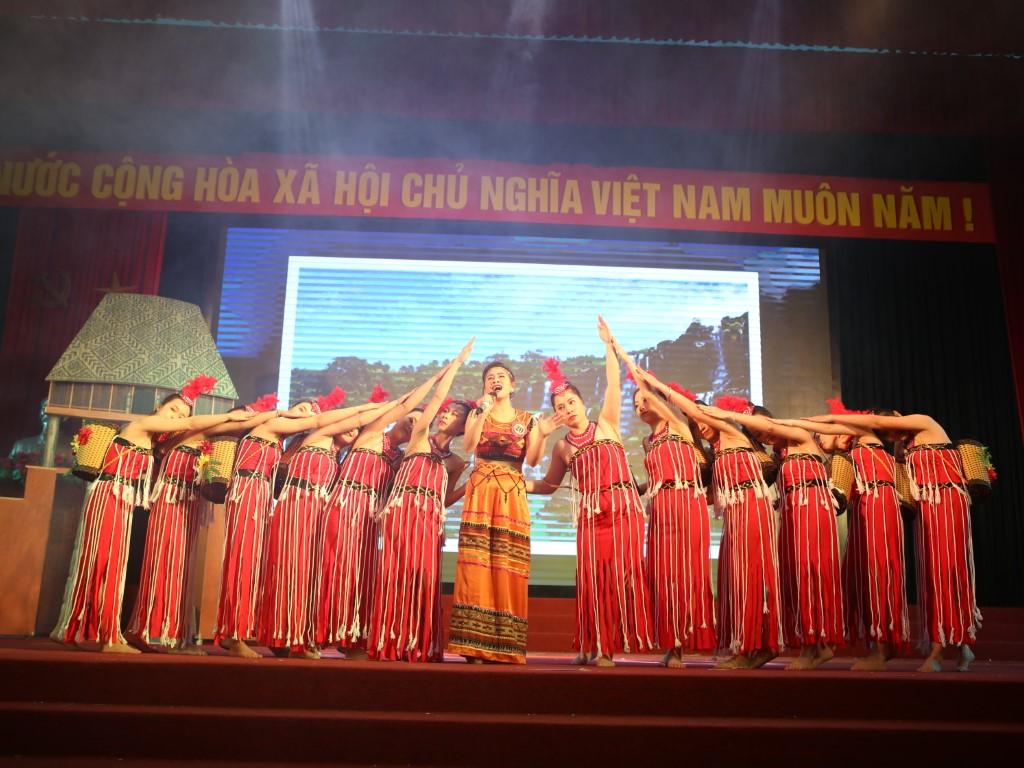 Hội thi cô giáo tài năng duyên dáng lần thứ VI