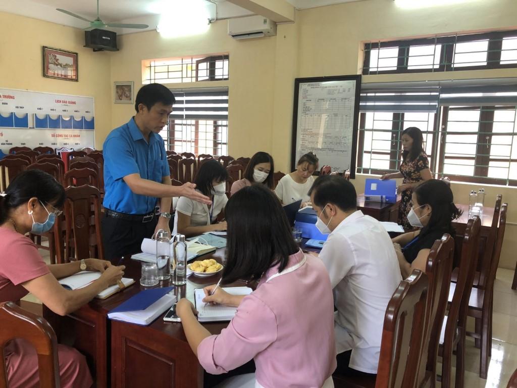 Trường đón đoàn kiểm tra Liên Đoàn Lao Động
